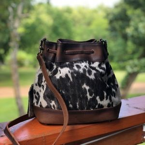 [ Brand New ] STS Cowhide Bucket Bag